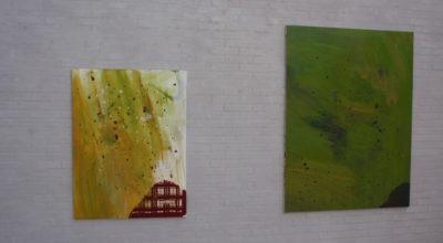 """To abstrakte malerier fra udstillingen """"Søllr"""" med Anna Fro Vodder på Himmerlands Kunstmuseum"""