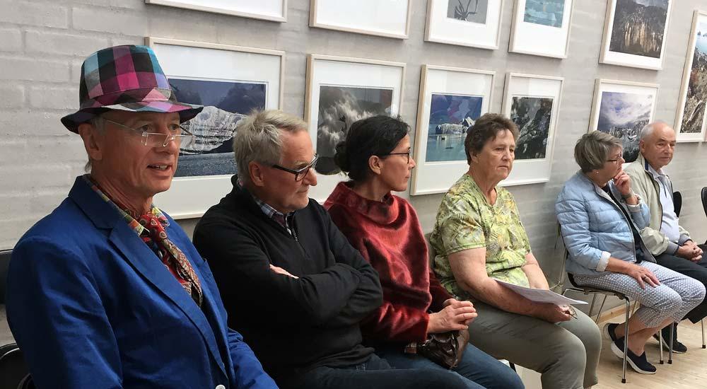 Ferniseringsgæster til udstillingen Grønland NU